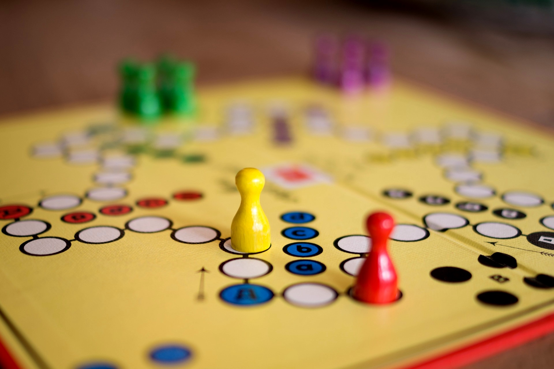Verhandlungsspiele Interview Machtspiel Verkauf Vertrieb Verkäufer Termin Verhandlung Verhandlungsseminar Unruhe Verhandlungsgegner verhandlen