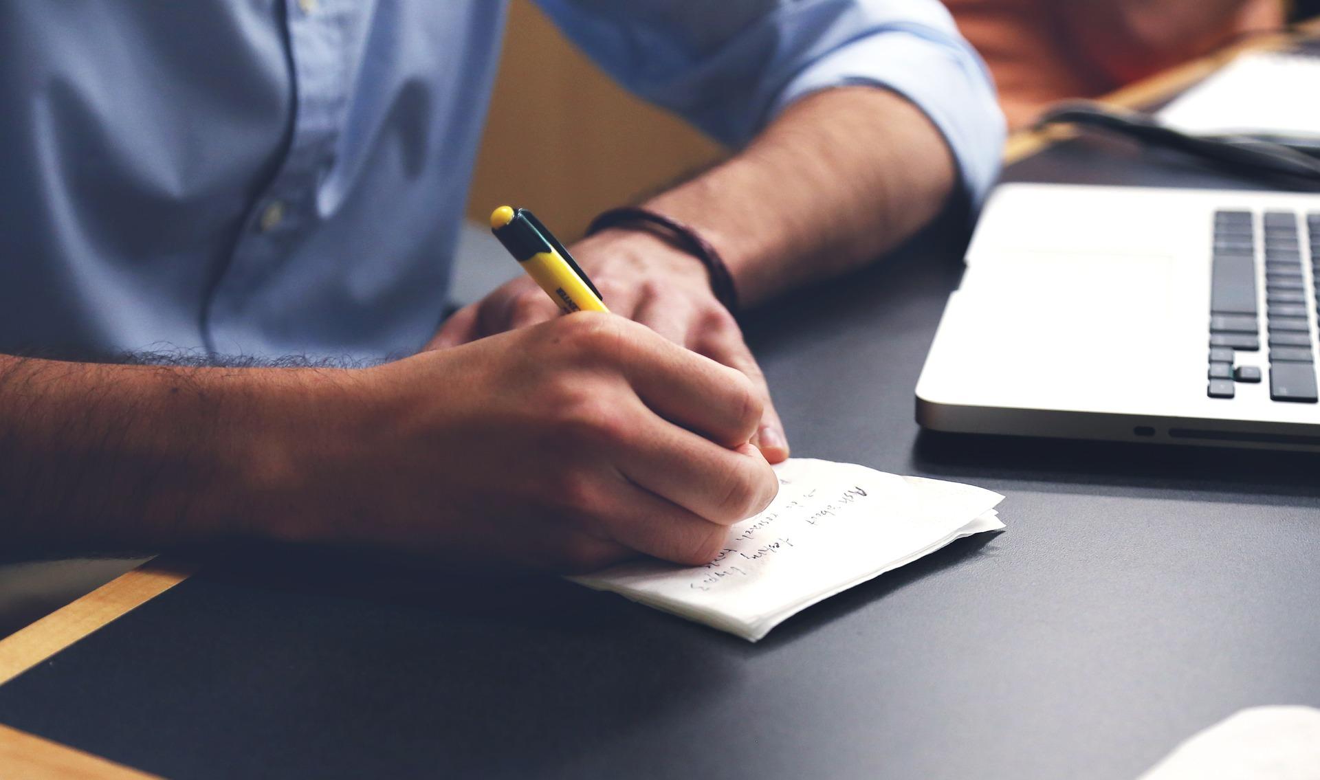 erfolgreich-verhandeln-richtig-verhandeln-verhandlung-verhandlungstechniken-ulrike-knauer-verhandlungsseminar-vorbereitung-team-taktik-kommunikation-dokumentieren