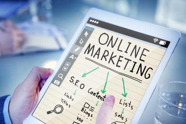 Social Selling im Vertrieb um in den sozialen Netzen im BtB Verkauf Wahrnehnung zu erzeugen.